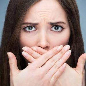 tratamento para mau hálito da garganta